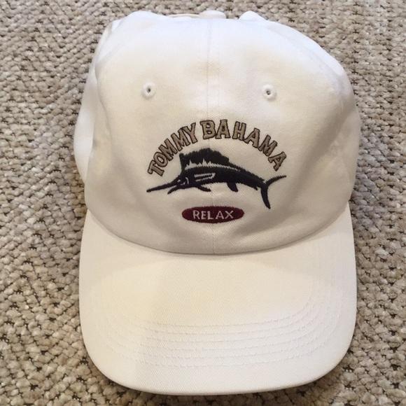 48104bea Tommy Bahama hat. M_5b95423f6197450f6b54f4f2